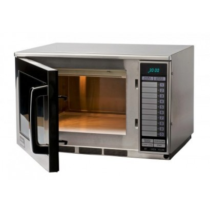 Sharp R22AT 1500W Commercial Microwave Oven
